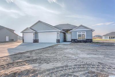 Pasco Single Family Home For Sale: 6816 Sandy Ridge Rd