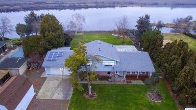 Burbank Single Family Home For Sale: 147 Snake River Dr.