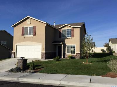 Pasco Single Family Home For Sale: 3310 Saratoga Ln.