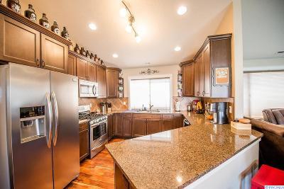 Pasco Single Family Home For Sale: 4801 Indian Ridge