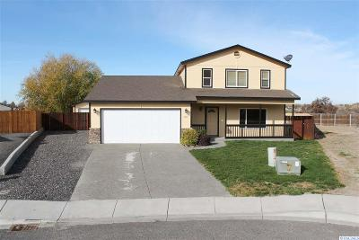 Prosser Single Family Home For Sale: 104 SW Kelandren Dr.