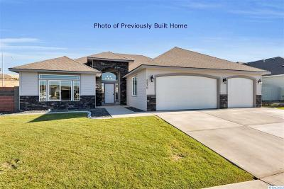 Kennewick Single Family Home For Sale: 1719 S Dewberry Place