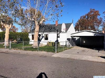 Kennewick Single Family Home For Sale: 305 E 1st Place