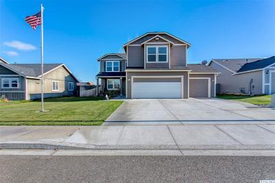 Pasco Single Family Home For Sale: 5903 Robert Wayne Dr