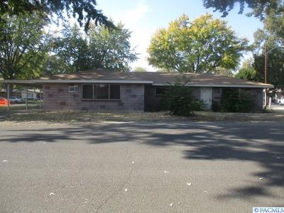 Kennewick Multi Family Home For Sale: 512 S Quincy St