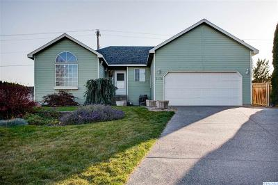 Kennewick Single Family Home For Sale: 3478 S Dennis St
