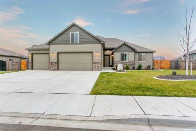 West Richland Single Family Home For Sale: 6335 Cobalt Dr