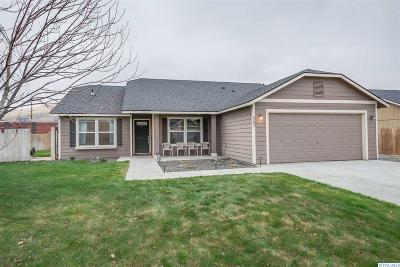 West Richland Single Family Home For Sale: 5295 Pinehurst St