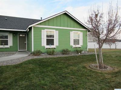 Pasco Single Family Home For Sale: 6003 Robert Wayne Dr