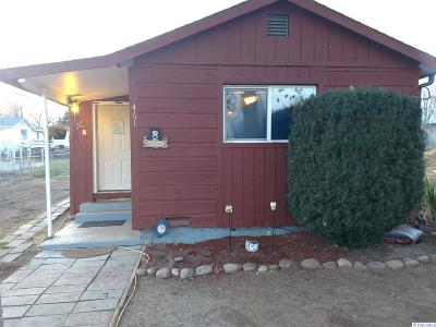 West Richland Single Family Home For Sale: 461 N 60th Ave.