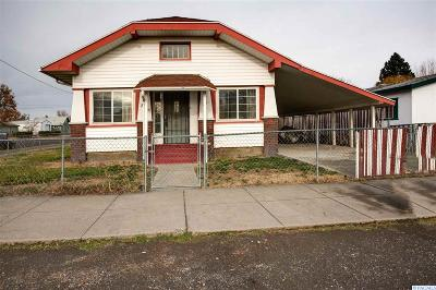 Pasco Single Family Home For Sale: 231 W Bonneville St.