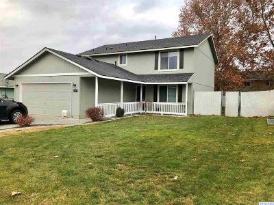 Pasco Single Family Home For Sale: 6519 Ebbets Dr.