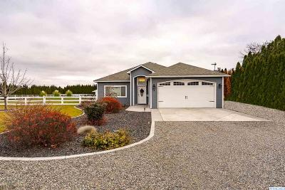 Burbank Single Family Home For Sale: 35 Tuttle Ln