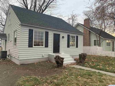 Benton County Single Family Home For Sale: 10 E 1st Avenue
