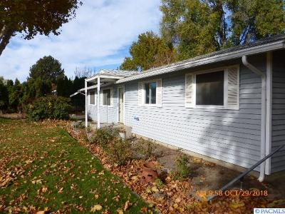 Pasco Single Family Home For Sale: 4421 W Marie St.