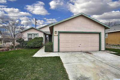 Kennewick Single Family Home For Sale: 3809 W Hood Court