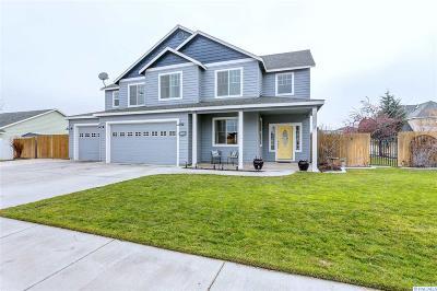 Pasco Single Family Home For Sale: 4612 Valencia Dr