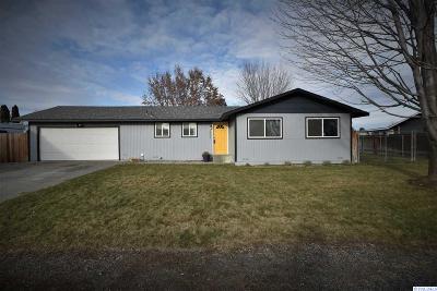 Pasco Single Family Home For Sale: 3905 W Ella St.