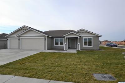 Pasco Single Family Home For Sale: 4414 Goldstream Ln
