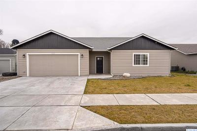 Kennewick Single Family Home For Sale: 5745 West Entiat