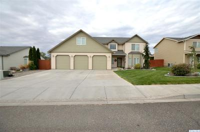 West Richland Single Family Home For Sale: 2201 Diamond Head Way