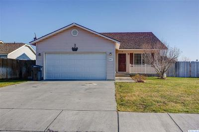 Pasco Single Family Home For Sale: 623 N Arbutus Ave