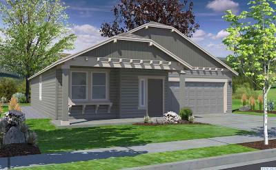 Pasco Single Family Home For Sale: 8112 Cassiar Dr