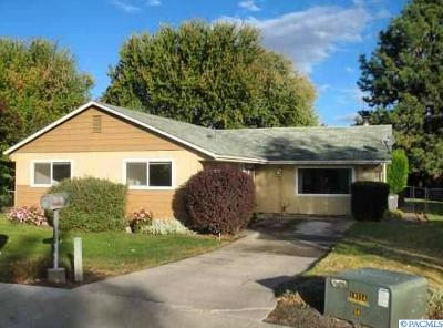 Kennewick Single Family Home For Sale: 1528 W 7th Place