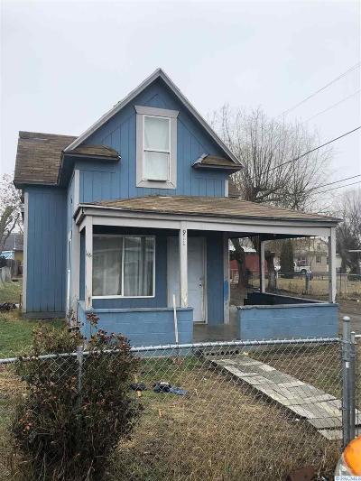 Sunnyside Single Family Home For Sale: 911 Barnes Ct