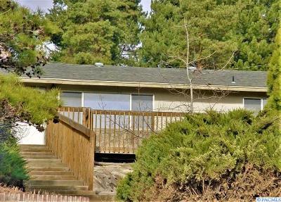 Sunnyside Single Family Home For Sale: 132 W Thill Avenue