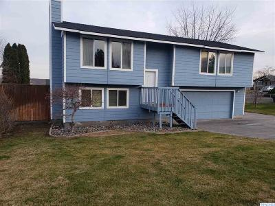 Benton City Single Family Home For Sale: 1200 Fig Street