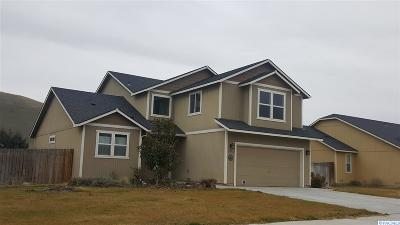 West Richland Single Family Home For Sale: 5241 Chris Street