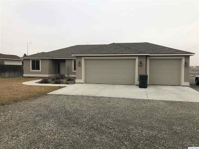 West Richland Single Family Home For Sale: 4500 Mt Adams View Dr