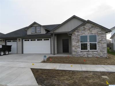 Richland Single Family Home For Sale: 4847 McEwan #111
