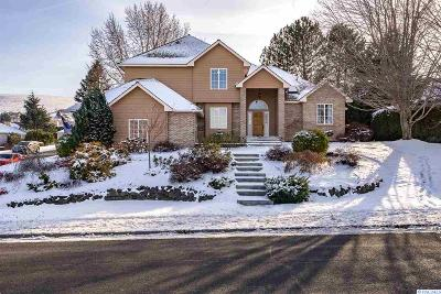 Kennewick Single Family Home For Sale: 4104 S Morain Pl