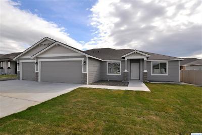 Pasco Single Family Home For Sale: 4409 Vermilion Ln