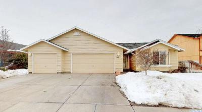 Pasco Single Family Home For Sale: 5019 Flores Lane
