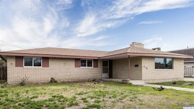 Pasco Single Family Home For Sale: 1716 W Octave St