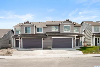 Pasco Multi Family Home For Sale: 5504 Remington Drive