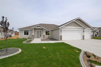 Pasco Single Family Home For Sale: 8109 Coldwater Dr