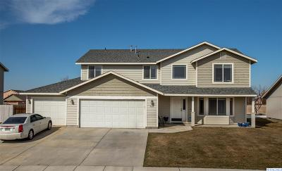 Pasco Single Family Home For Sale: 5611 Austin Drive