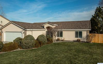 West Richland Single Family Home For Sale: 5602 Warbler Ln