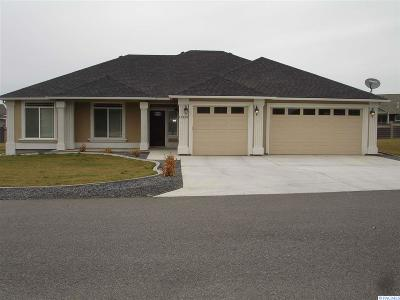 Pasco Single Family Home For Sale: 11329 Mathews Rd.