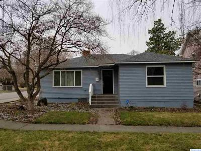 Prosser Single Family Home For Sale: 845 Main