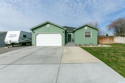 Benton City Single Family Home For Sale: 1554 NE 12th St