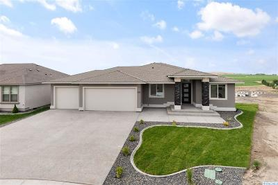 West Richland Single Family Home For Sale: 528 Athens Drive