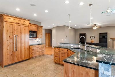 West Richland Single Family Home For Sale: 43902 E McWhorter Ln