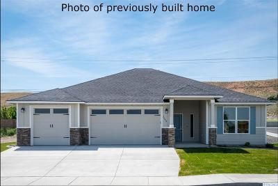 Kennewick Single Family Home For Sale: 3129 S Young Pl