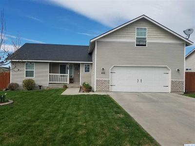 Grandview Single Family Home For Sale: 602 Arteaga Circle