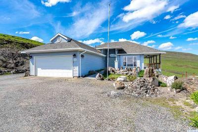 Benton City Single Family Home For Sale: 2406 W Trinity Pr NW